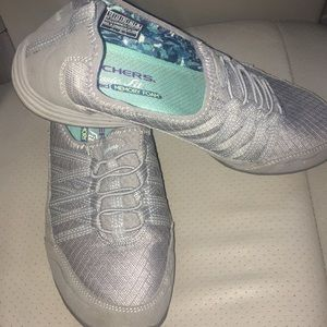 Skechers classic fit air cooled memory foam shoes